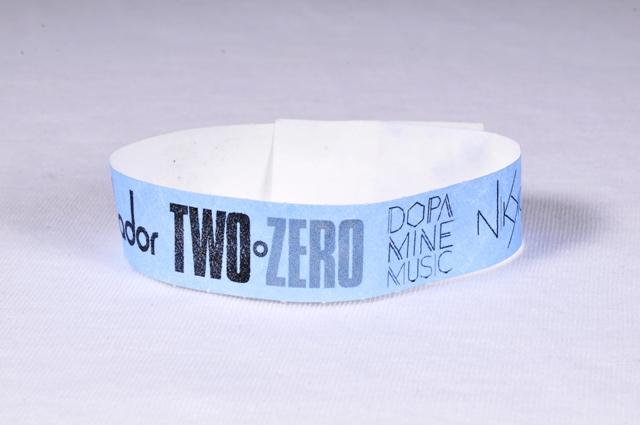 Two Zero_βραχιολάκια εισόδου tyvek